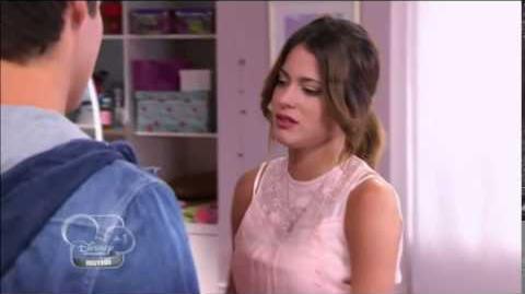 Leon dans la chambre de violetta ils s'embrassent presque !