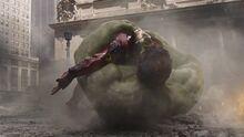 Халк спасает Железного человека - Мстители фильм