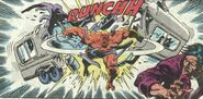 La Bi-Bestia (Tierra-616) destrozando un Camion