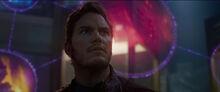 Квилл слушает рассказ Коллекционера - Стражи галактики