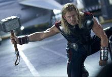 Тор борется с Халком - Мстители фильм