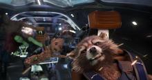 Ракета во время битвы с суверенцами - Стражи галактики 2