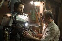 Iron Man Film Yinsen Working