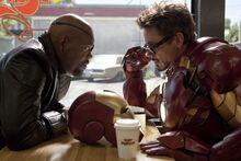 Фьюри и Старк в кафе - Железный человек 2