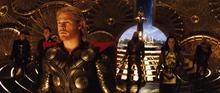 Тор готовится воспользоваться Биврёстом - Тор (фильм)
