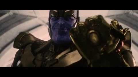 Танос с перчаткой Бесконечности