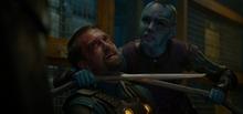 Небула пытает охранника - Стражи галактики