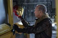 Тумс и шлем Железного Человека - Возвращение домой