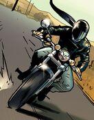 Юрико Ояма (1610) на мотоцикле из Ultimate X-Men Vol 1 59