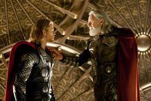 Тор спорит с отцом - Тор (фильм)