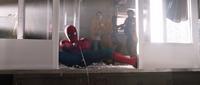 Человек-паук у лифта - Возвращение домой