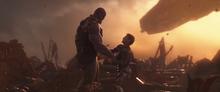 Танос ранит Старка - Война бесконечности
