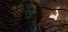 Гамора во время падения на Ксандар - Стражи галактики
