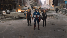 Бартон, Роджерс и Романова смотрят на прибытие читаури - Мстители