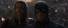 Тор и Роджерс видят смерть Железного человека - Финал