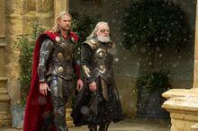 Тор слушает советы отца - Царство тьмы