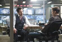 Старк разговаривает с Роджерсом после его ареста - Противостояние