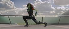 Гамора во время драки с Квиллом - Стражи галактики