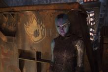 Небула заключает сделку с Шокерфейсом - Стражи галактики 2