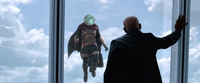 Spider-Man Far From Home Mysterio in front of Nick Fury (Talos)