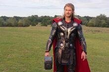 Тор прощается с командой Мстителей - Мстители Эра Альтрона