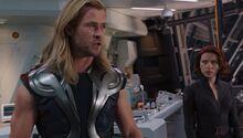 Тор спорит с Мстителями - Мстители фильм