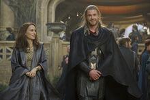 Тор показывает Джейн Асгард - Царство тьмы