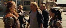 Обсуждение перед битвой с Разрушителем - Тор (фильм)