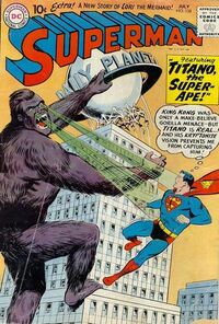 Superman fights Titano