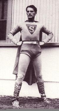 Ray Middleton Superman 001
