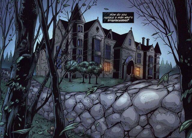 File:Wayne Manor 003.jpg