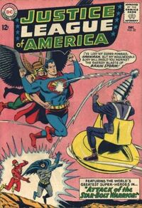 Superman defends Hawkman from Brain Storm