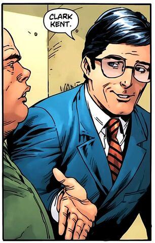 File:Clark Kent 011.jpg