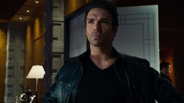 File:Constantine Drakon Arrow TV Series 001.jpg