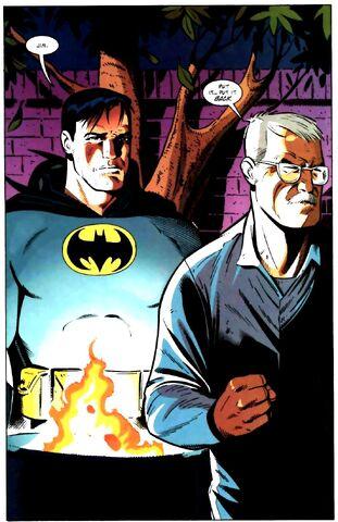 File:Bruce Wayne 033.jpg