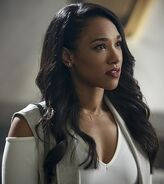 Iris West Arrow 0003