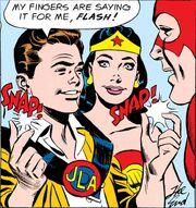 Justice League Signal Device 0002