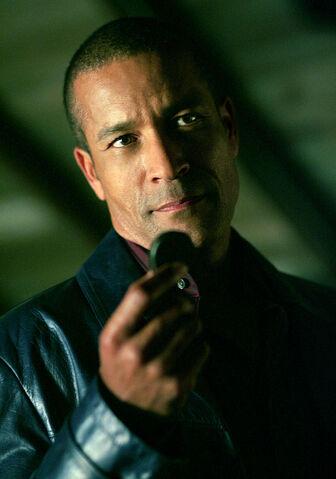 File:J'onn J'onzz (Smallville) 0001.jpg