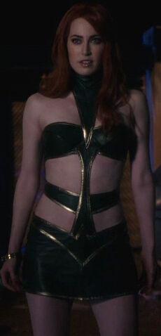 File:Maxima (Smallville).jpg