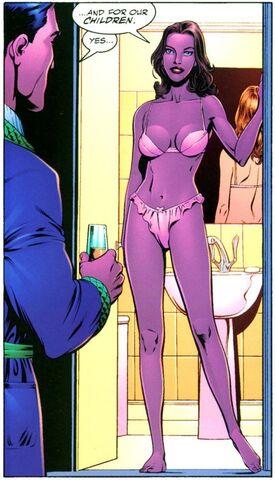 File:Julie Madison Dark Knight Dynasty 001.jpg