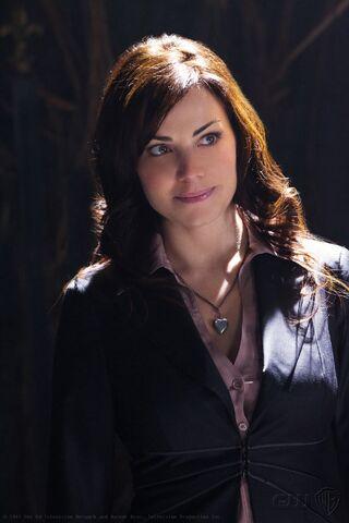 File:Lois Lane Smallville 002.jpg