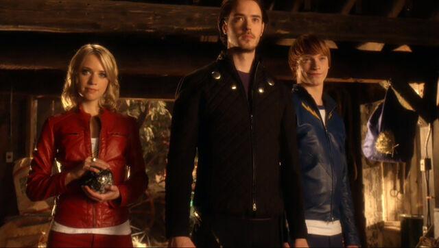 File:Legion of Superheroes Smallville.jpg