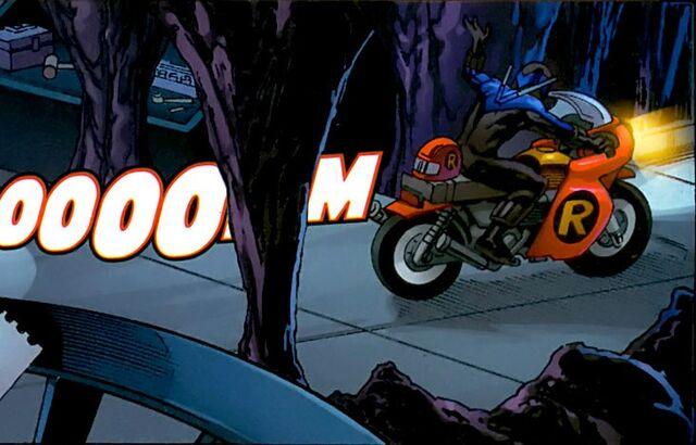 File:Robin Motorcycle 003.jpg