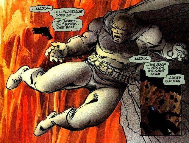 File:Batman Earth-31 025.jpg