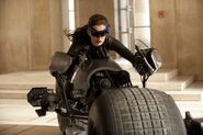 Anne Hathaway Catwoman 1