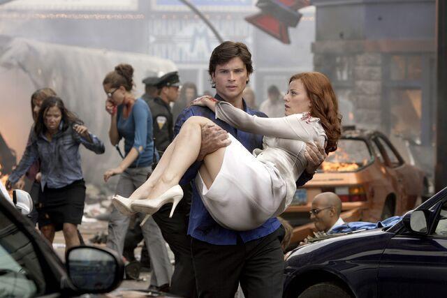 File:Smallville Episode Plastique 001.jpg