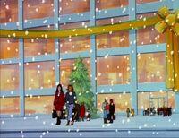 ChristmasShoppingExterior
