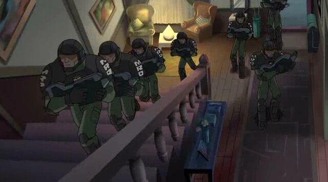 File:MRD Heads Upstairs WXM.jpg