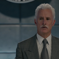 Stark es confrontado por Pym.
