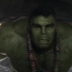 Hulk alcanza el Quinjet.